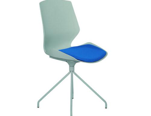 Silla con base spyder, asiento con PAD tapizado, modelo AB-310.